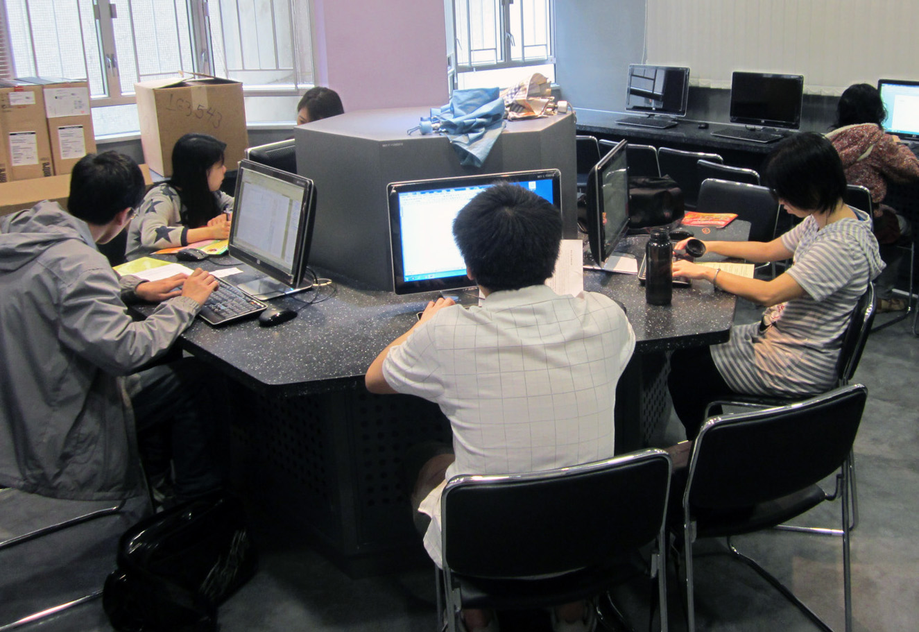 "<a href=""http://mblcc.org.hk/?page_id=1681"">輔導就業及陽光路上培訓計劃</a>"